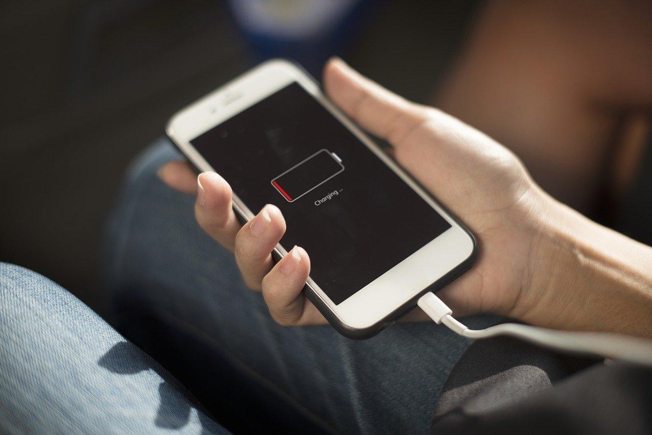 Chcete prodloužit život baterii vmobilu či notebooku? - anotační obrázek