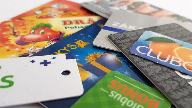 Kolik věrnostních kartiček máš, tolikrát jsi člověkem. Taky máte nějakou v peněžence? - anotační obrázek