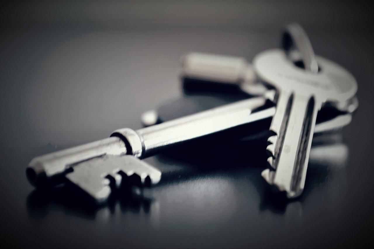 Prodáváte byt přes realitku? Dávejte pozor na to, jakou smlouvu podepisujete - anotační obrázek