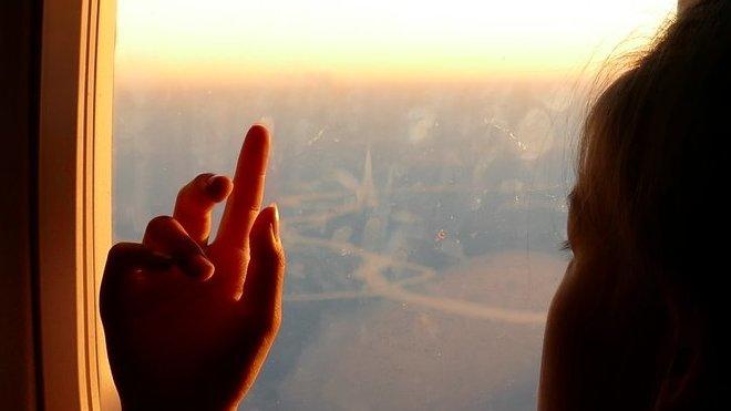 Cestování s dětmi nemusí být horor. Jak zvládnout cestu letadlem? - anotační obrázek