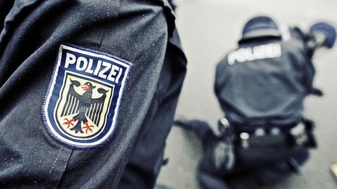 Násilných incidentů neustále přibývá, varují úřady. Migranti v Německu opět napadli policisty - anotační obrázek