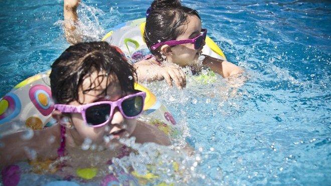 Test dětských slunečních brýlí: Funguje ochrana proti UV? - anotační obrázek
