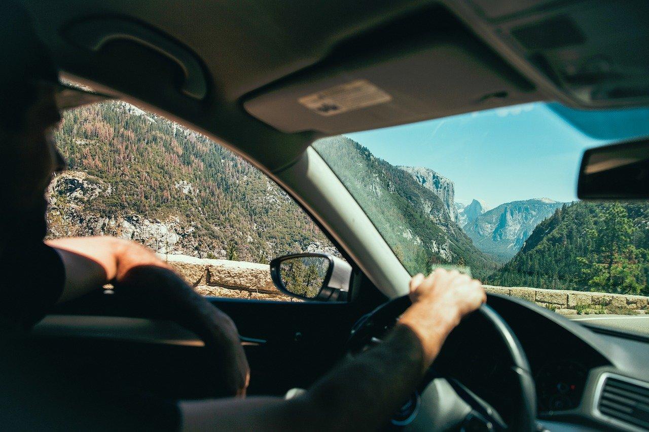Lepí se vám řidiči na zadek? Nezůstanou bez trestu. Připravte se na přísnější bodový systém - anotační obrázek