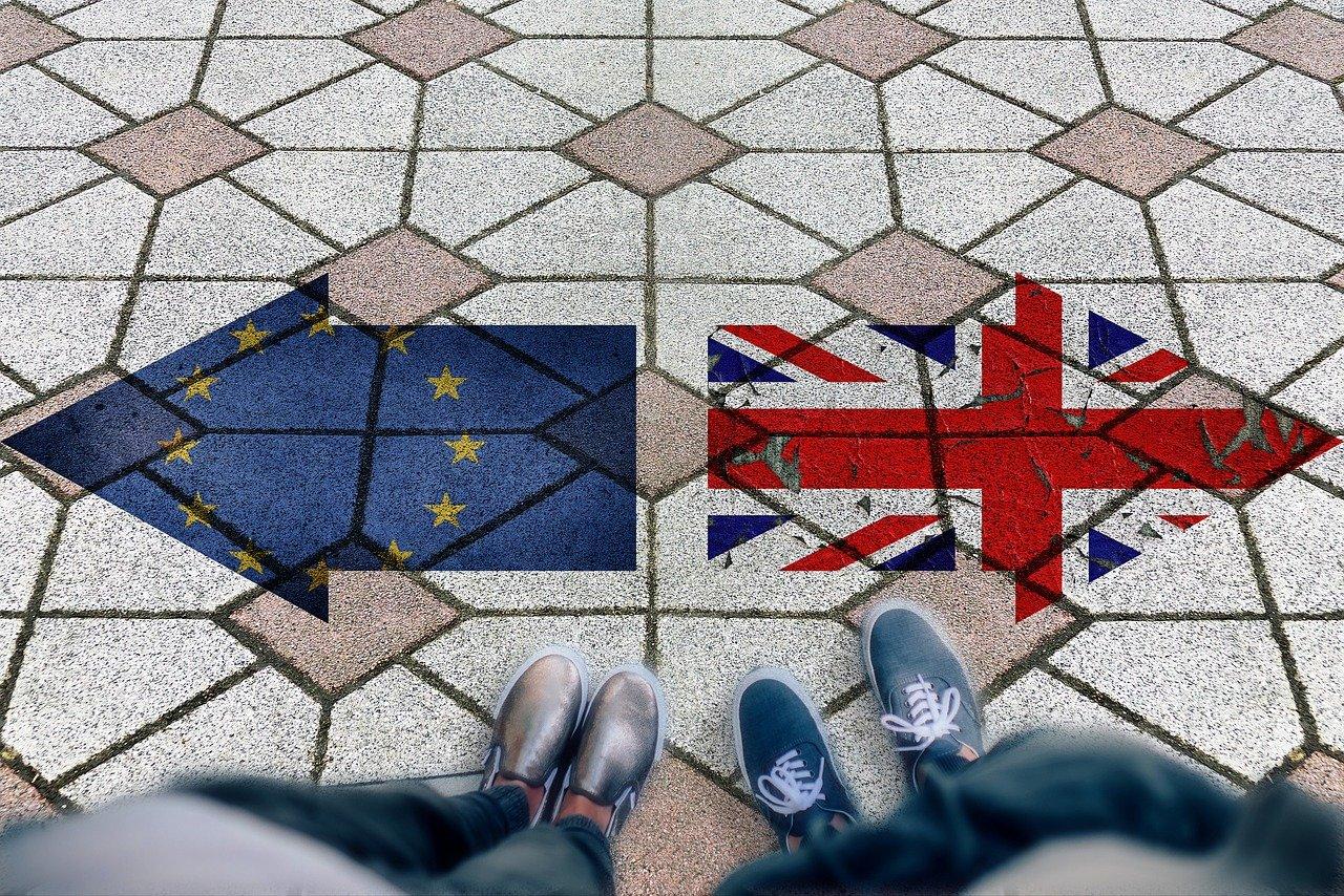Mayová možná bude muset odložit brexit. Najde Británie řešení přes Vánoce? - anotační obrázek