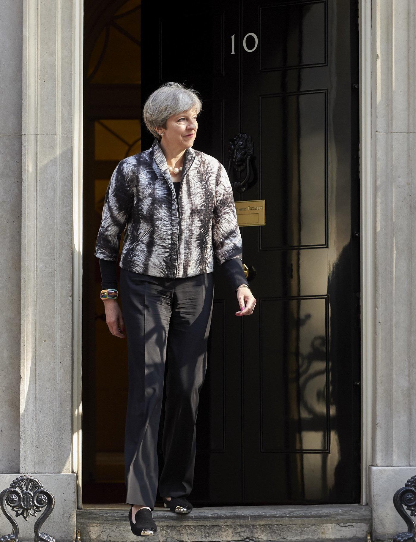 Brexit: Svržení Mayové? Odpůrci shánějí podpisy těžko - anotační obrázek
