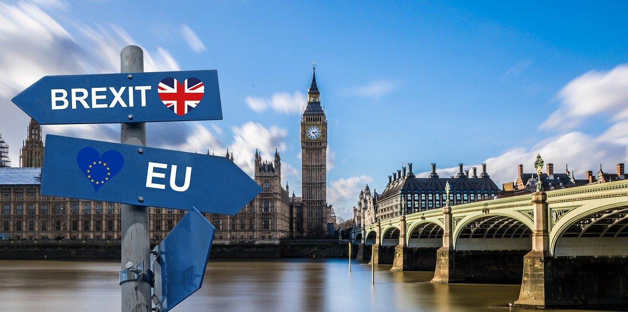 Brexit: Britská vláda zmírňuje požadavky ohledně irské pojistky - anotační obrázek