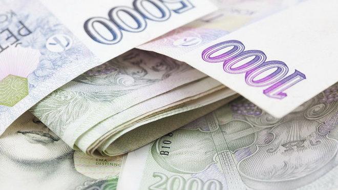 Přestože Češi bohatnou, o půjčky na Vánoce je velký zájem. Proč tomu tak je?