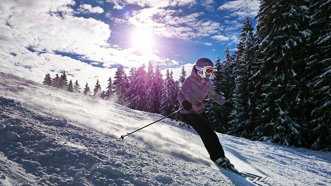 K zákazu skiareálů přes Vánoce není v ČR důvod, myslí si asociace - anotační obrázek