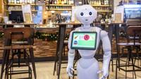 V budapešťské kavárně obsluhují hosty robot