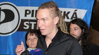 Babiš stojí za systematickou agrofertizací Česka, uvedl Bartoš - anotační foto