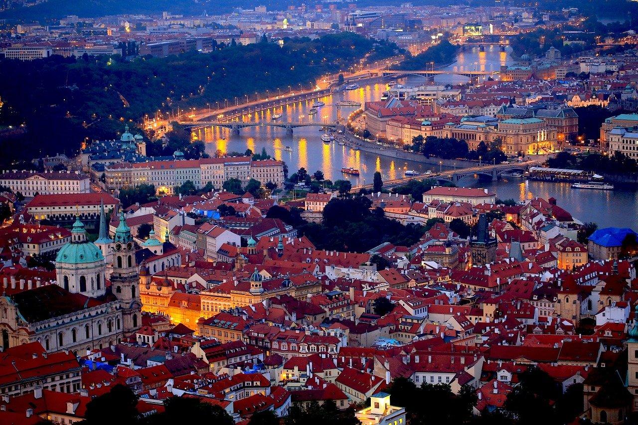Statisíce lidí ve městech spí v hluku, v Praze přes milion. Co těmto lidem hrozí? - anotační obrázek