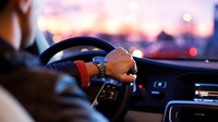 Půjčit si auto v zahraničí? Důrazné varování turistům - anotační obrázek