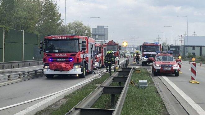 Nehoda autobusu na Pražském okruhu