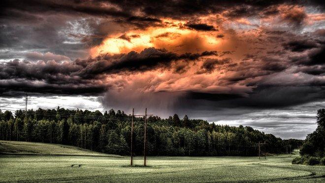 Meteorologové varují před bouřkami. Předpověď počasí na noc a neděli 21. července - anotační obrázek