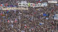 Demonstraci na Letné zaregistrovalo 90 procent obyvatel - anotační obrázek