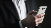 Babiš: Chytrý telefon stojí 2000, operátoři by je měli výrazně zlevnit - anotační foto