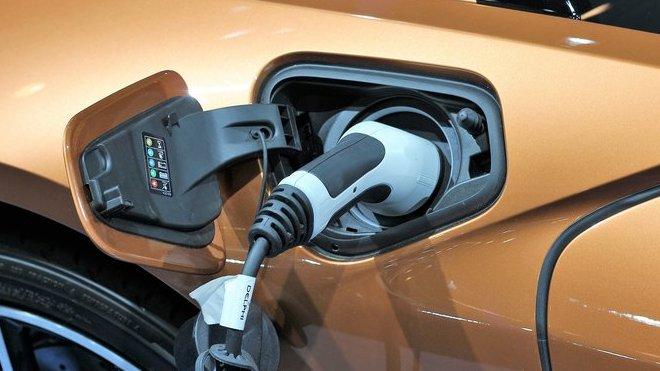 Nedostatek baterií v Číně ohrozí produkci elektromobilů v Evropě - anotační obrázek