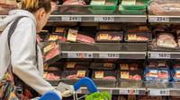 Maso v regálech českých hypermarketů