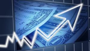 Česko míří do výrazné inflace. Největší chybou je nechat peníze v bance