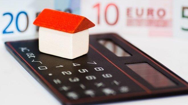 Banky jsou zavaleny žádostmi o hypotéku. Vyřízení úvěru na bydlení může trvat i dva měsíce - anotační obrázek