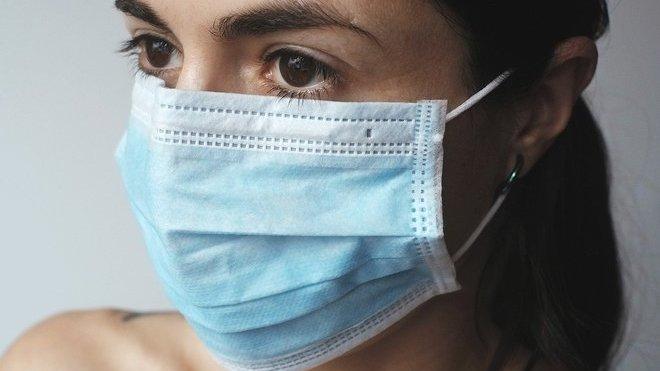 Koronavirus: Počet nakažených v Česku vzrostl na 4 091, zemřelo 53 lidí - anotační obrázek