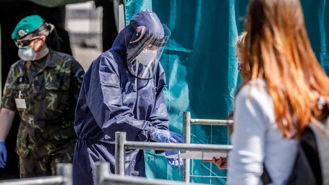 V pátek přibylo v Česku 56 případů koronaviru, nikdo nezemřel - anotační obrázek