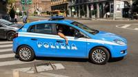 Italové zaplnili pláže i bary, policie rozdávala tučné pokuty - anotační obrázek