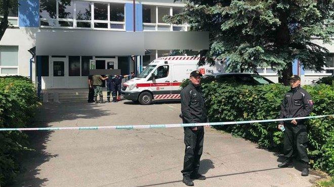 Útok na slovenské základní škole