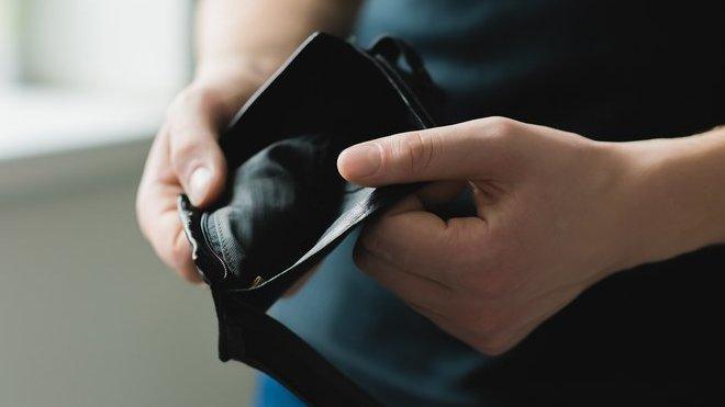 Proč vám půjčka před výplatou může zavařit?