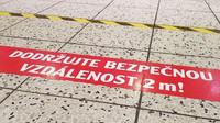 Covidová opatření hloubí mezi Čechy propast. Zvýhodnění jsou obyvatelé měst či zaměstnanci placení z veřejných peněz - anotační obrázek