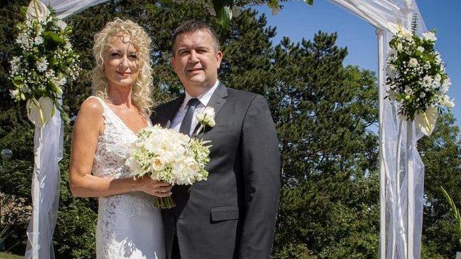 Jan Hamáček se podruhé oženil.