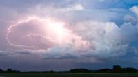 Tropické teploty doprovodí bouřky. Předpověď počasí na noc a pondělí 10. srpna - anotační foto