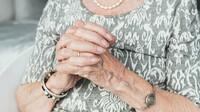 5000 korun míří k důchodcům. Na konta dorazí nejpozději v půlce prosince - anotační foto