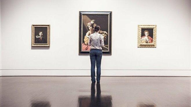 V Česku se zčásti otevřou muzea, galerie a památky. Kina a divadla zůstávají zavřená - anotační obrázek