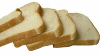 Inspekce varuje před toustovým chlebem z Polska s kovovými střepy - anotační foto