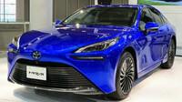 Toyota začala v Česku prodávat vodíkový vůz Mirai - anotační obrázek