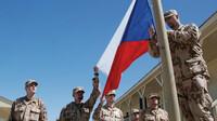 Za vojenské mise v Afghánistánu vydal český stát v letech 2004 až 2020 celkem 16,44 miliardy korun.