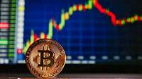 Bitcoin míří k novému rekordu. V USA  dnes spustí první bitcoinový fond pro širokou veřejnost - anotační obrázek